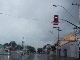 Chuva na avenida Amazonas, em Belo Horizonte