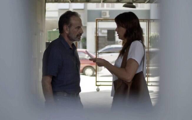 Elias (Marco Ricca) e Helena (Carol Castro)