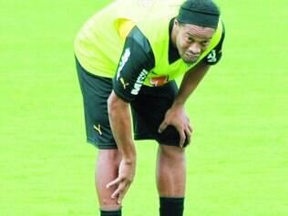 Sem moral.  Entre os jogadores de frente do Atlético, Ronaldinho Gaúcho é um dos mais questionados pela torcida alvinegra neste ano