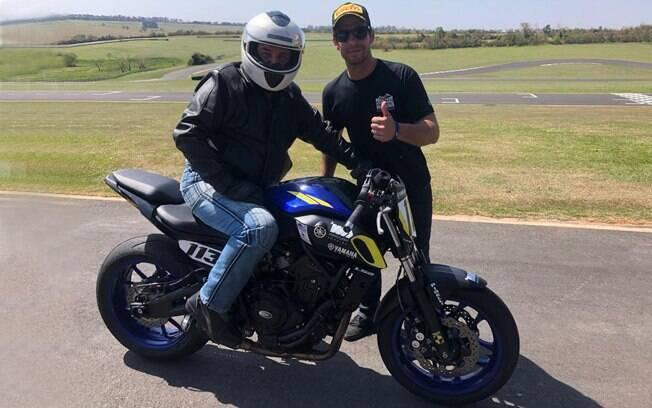 Rafael Paschoalin me passando informações sobre a sua Yamaha MT-07 especial
