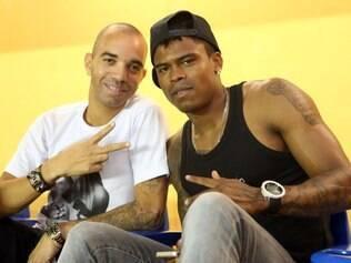 Tardelli e Maicosuel foram prestigiar o craque Falcão na Arena Minas
