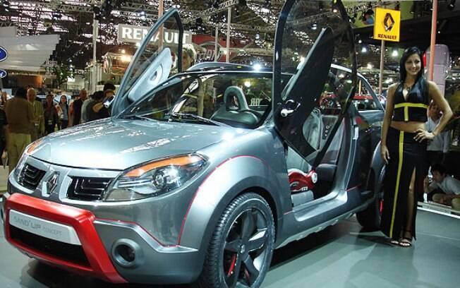 O Salão do Automóvel de 2008 ainda refletia os tempos em que montadoras customizavam os próprios carros de produção