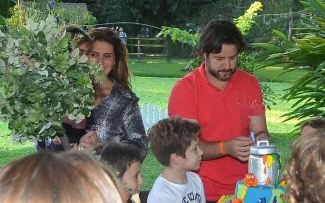 Giovanna Antonelli e Murilo Benício estiveram juntos na tarde deste domingo (26) para comemorar o aniversário de 8 anos do filho, Pietro