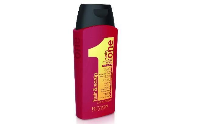 O Shampoo Condicionante Uniq One, da Revlon Professional, promete hidratar o couro cabeludo e reduzir a quebra dos fios l R$130