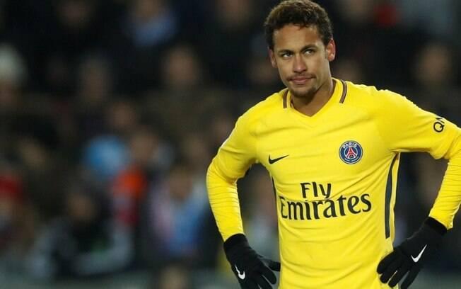 Neymar Jr foi criticado também pelo jogador do Celtic, Mikael Lustig