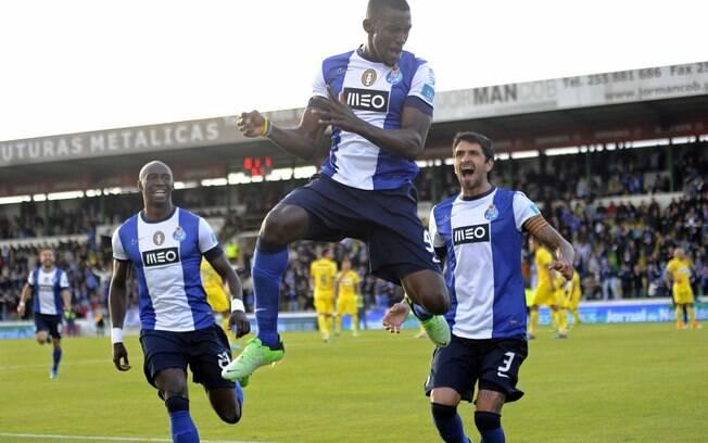 Jackson Martinez comemora gol do Porto