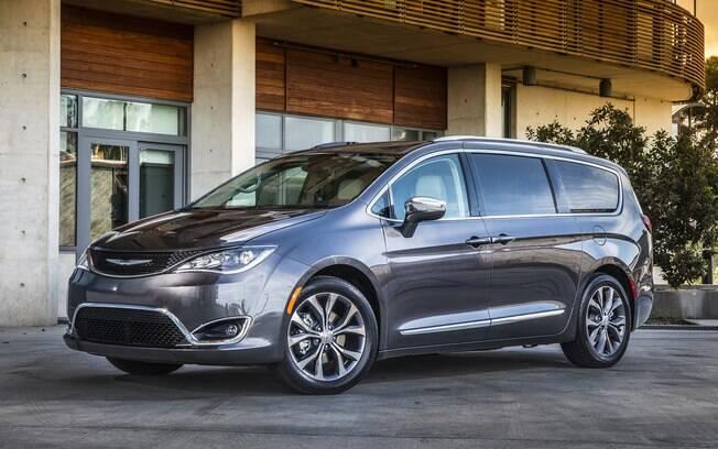 Chrysler Pacífica deve entrar no lugar do Town & Country também no Brasil, em 2017. Antes, estará no Salão do Automóvel