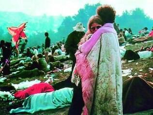 Período. Foto clássica de Burk Uzzle durante o festival Woodstock, em 1969, década em que o LSD foi popularizado