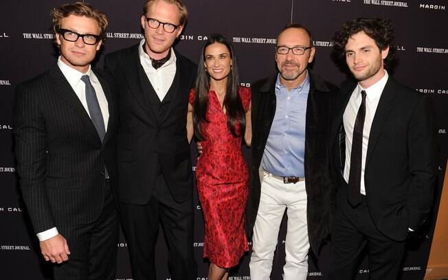 Demi Moore com os colegas Simon Baker, Paul Bettany, Kevin Spacey e Penn Badgley