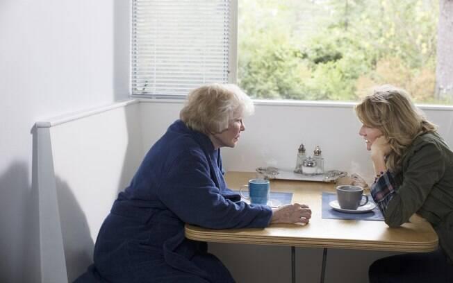 Ellen Burtsyn e Laura Dern em cena de The Tale