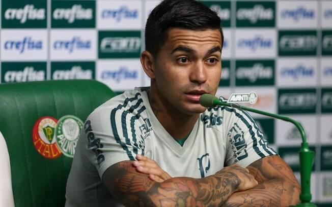 Dudu concede entrevista e garante permanência no Palmeiras
