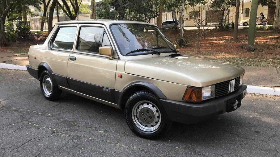 Fiat Oggi da série Pierre Balmain tinha motor 1.3 e teve apenas 50 unidades fabricadas para o mercado brasileiro