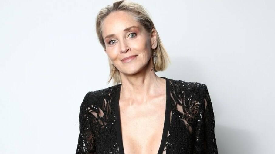 Sharon Stone teve complicações após realizar um aborto e diz não ter tido apoio