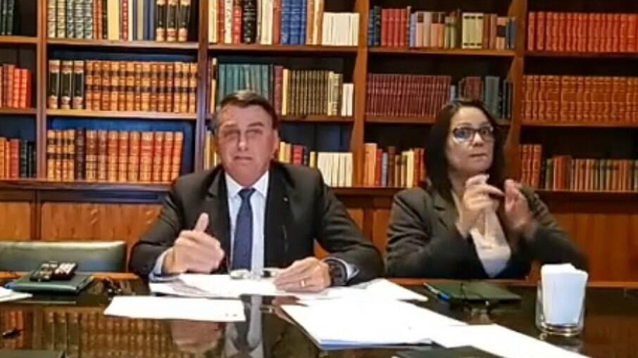 Bolsonaro na live desta quinta (25)