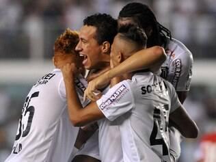 Peixe é o melhor time do returno do Campeonato Brasileiro e tenta manter arrancada para chegar ao G-4