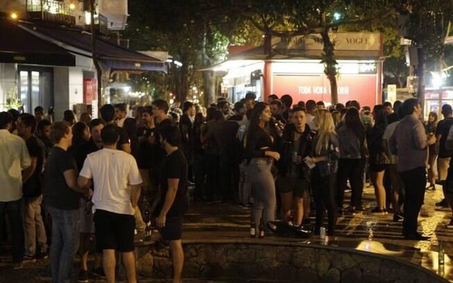 Aumento da fiscalização visa evitar aglomerações em bares da cidade