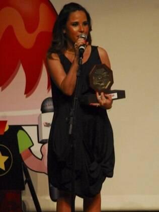 Wanessa ganha o Prêmio Jovem de Melhor Cantora: