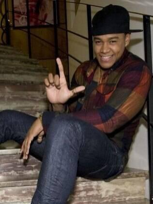 Léo Santana afirma que gosta de comprar anéis, colares, bolsas e roupas