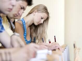 A atitude individual define se você deve estudar sozinho ou em grupo