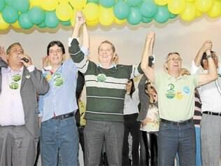 Lançamento da candidatura de Rômulo (PV) contou com a presença de várias autoridades, como Dinis Pinheiro (PP)