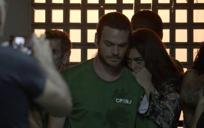 Bibi é flagrada pela polícia ao visitar Rubinho