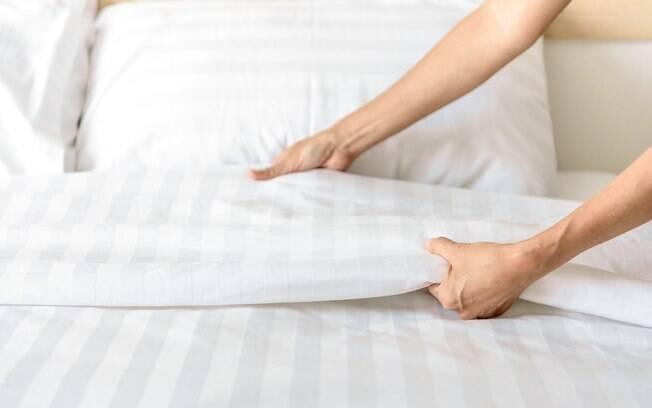 Deixar as roupas de cama por muito tempo no colchão sem fazer a troca pode trazer uma surpresa nada agradável; veja