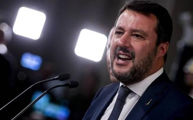 Matteo Salvini, da extrema-direita italiana, foi derrotado após partidos fecharem acordo por novo governo