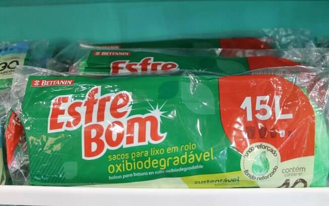 O saco para lixo biodegradável da EsfreBom se desintegra em três anos