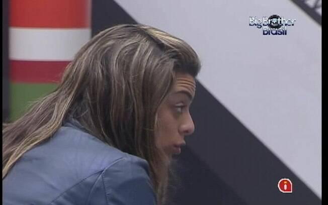 Fiona se sente culpada pelo desentendimento entre Rafa e Jonas