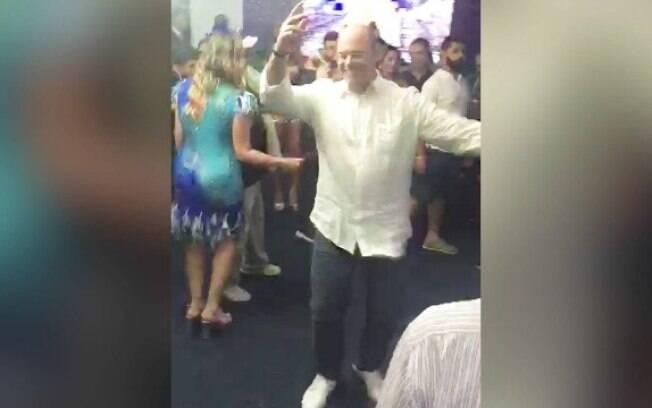 Governador dançou no camarote