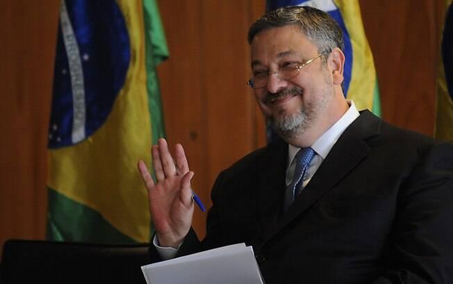 Ex-ministro da Fazenda e da Casa Civil, Antonio Palocci afirmou que filho de Lula recebeu propina em depoimento