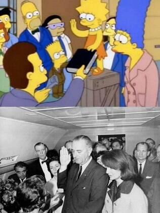 Lyndon Johnson tomando posse como presidente e Lisa fazendo o mesmo. Jackie Kennedy e Marge com cara de aflitas.