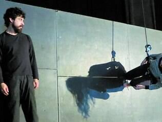 """Verticalidade. Companhia Suspensa apresenta o espetáculo """"Órbita"""", no sábado, no Instituto Inhotim"""