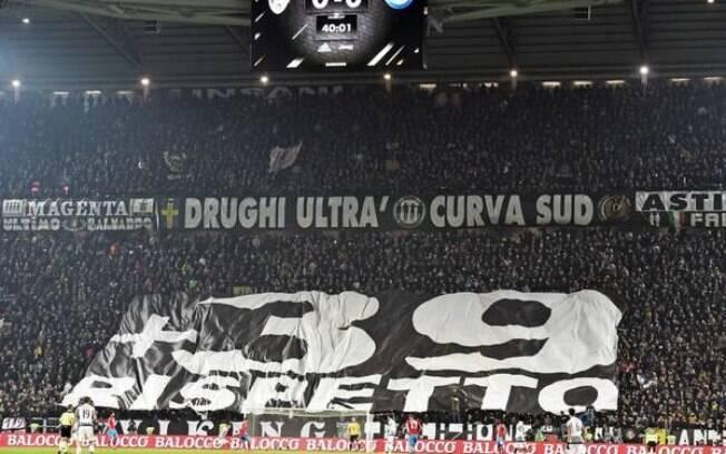 Homenagem da Juventus às vítimas do Massacre de Heysel.