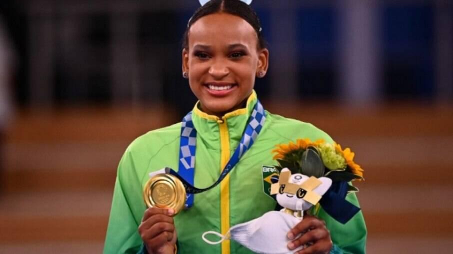 Rebeca Andrade, ginasta do Flamengo, conquistou medalhas de prata e ouro em Tóquio