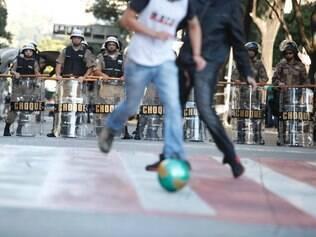Futebol na manifestação