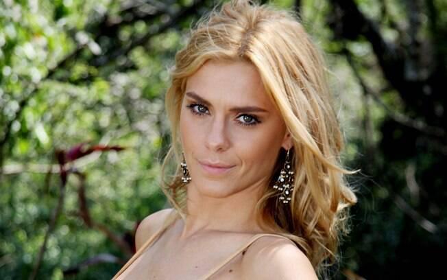 Carolina Dieckmann atuando em