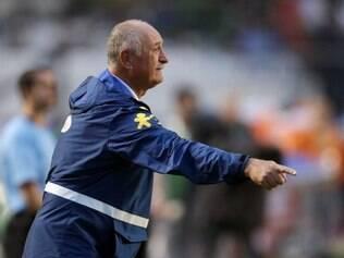 Técnico Felipão orientou bastante o time verde e a amarelo, mas não conseguiu torná-lo mais ofensivo