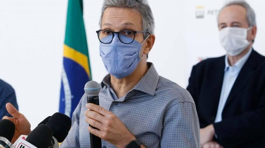 'Lamento essa postura, não ajuda', critica Romeu Zema sobre Bolsonaro
