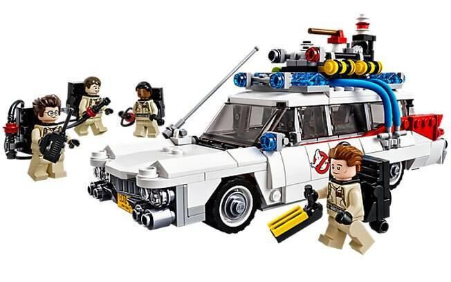 Perfeito para fãs do filme, o Lego Ghostbusters Ecto-1 recria fielmente a viatura usada pela equipe.