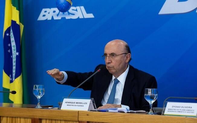 Henrique Meirelles citou dados divulgados nesta terça-feira (16) sobre a criação de postos de trabalho
