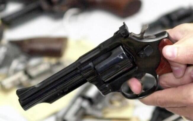 O presidente do Movimento Viva Brasil defende que o Estado não impeça os cidadãos de ter acesso a armas de fogo