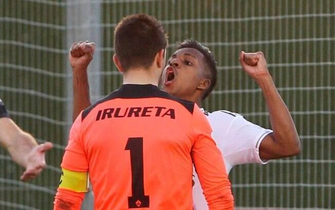 Rodrygo comemorou seu gol na cara do goleiro adversário e foi expulso