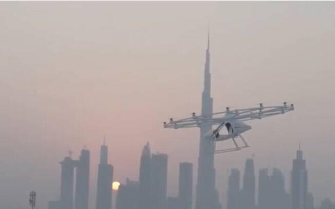 Táxi voador testado tem capacidade de voar por no máximo 30 minutos, e funcionará de forma semelhante aos aplicativos usuais de transporte