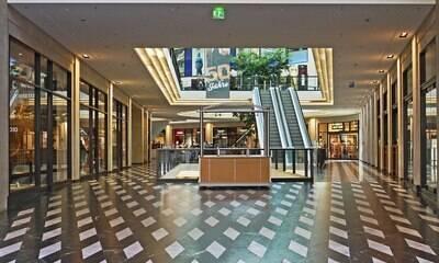 Custo com o shopping pesa mais do que salários, afirma lojista