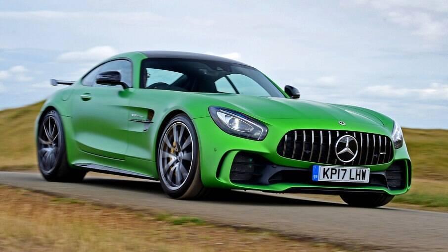 Mercedes-AMG GT R convencional tem em torno de 1.650 kg  de peso, mas com potência compatível