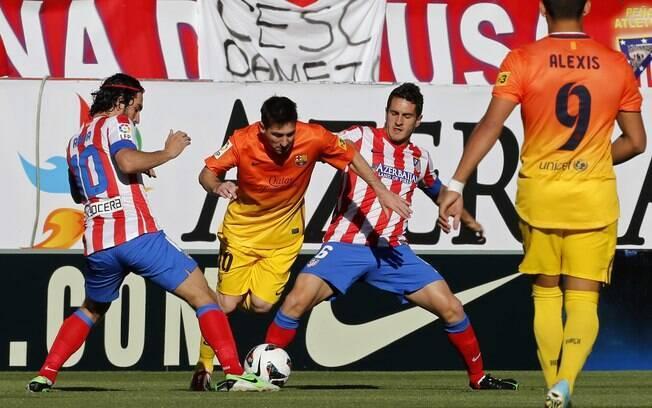 Na 35ª rodada, o Barcelona venceu o Atlético  de Madri por 2 a 1. O time entrou em campo já como  campeão espanhol