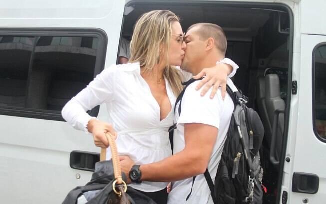 Beijo no namorado, Juninho