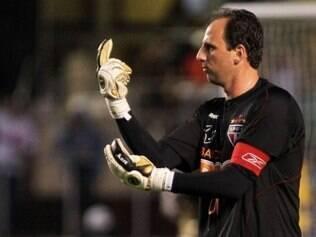 Juvenal afirmou que, por ele, Rogério Ceni continua no clube