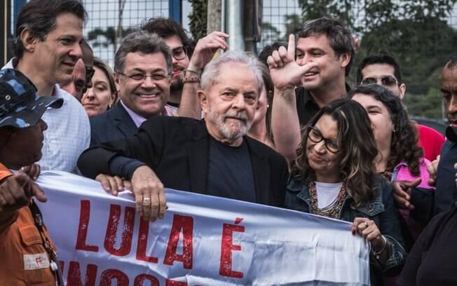 Ex-presidente estava preso há 580 dias